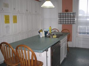 09-Kitchen-Island